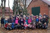 Schmücken im Scheunenviertel©Grundschule Schünebusch Estorf
